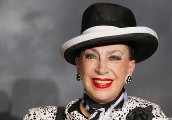 La Dame au chapeau dit toute la vérité aux membres de Casting.fr lors d'une interview exclusive
