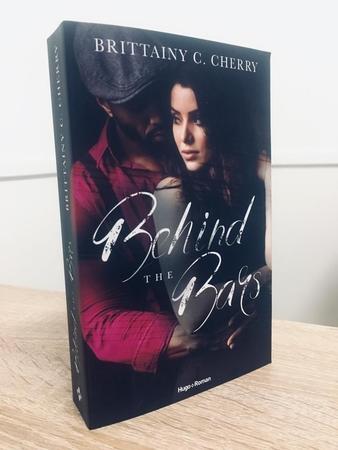 """Casting.fr vous offre un voyage dans la plume de Brittainy C.Cherry avec son dernier livre """"Behind The Bars"""""""