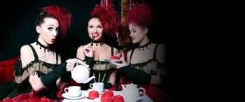 Cabaret parisien et French Cancan, vous avez le privilège d'assister à un Dîner-Spectacle au Paradis Latin
