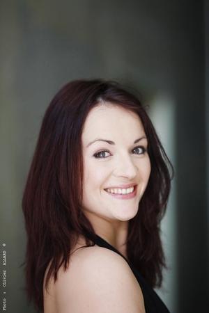 Rencontre avec Léovanie Raud sur scène actuellement dans Sister Act!
