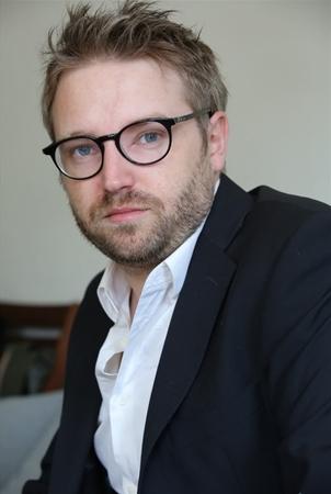 """Thibaud Vaneck célèbre comèdien de Plus belle le vie: """"c'est trop facile de baisser les bras"""" nous confie-t-il..."""