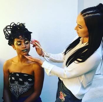 Découvrez le parcours de la Make Up artist des rappeurs français, Magdalena !