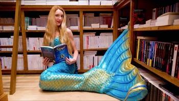 : Devenez une sirène ? C'est désormais possible, Claire La Sirène vous entraîne dans son monde féérique mais réaliste !
