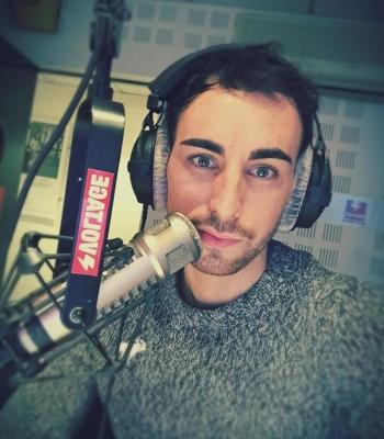 Animateur du Morning sur la radio voltage, retour sur les débuts de Jordan de Luxe qui  vous donne ses conseils