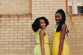 Recherche 2 petites filles de 4 et 10 ans typées Métisses ou Africaines pour un téléfilm