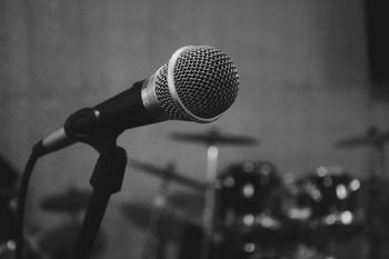 Cherche voix-off pour projet vidéos scolaires