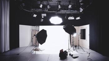 Cherche hôtes / hôtesses d'accueil 18 à 25 ans pour plateau émission TV