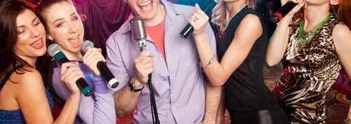 Chanteur et chanteuse