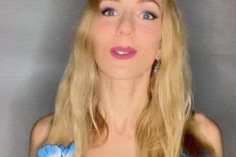Claire Baudet, alias Claire la Sirène vous invite à découvrir le Mermaiding.