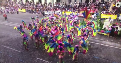 Carnaval tropical de Paris école Davina Samba Les Danseuses d'Or Samba Divines Vila Sena