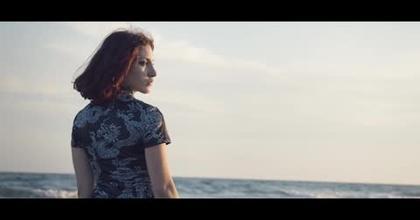 Vidéo plage laure Zigliani
