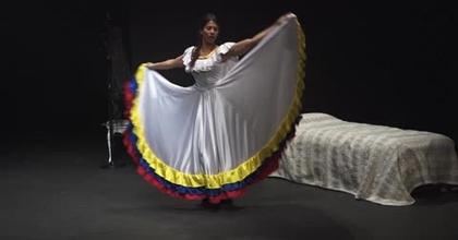Seule-en-scène DEDOUANEZ-MOI