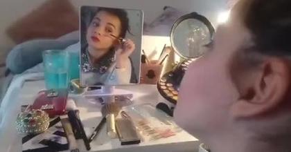 Vir Giny en Live Scène 1 maquillage
